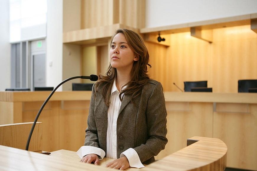 Изображение - Кто на суде присутствует Testimony