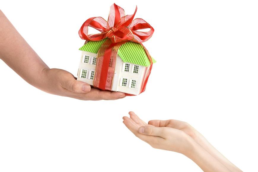 что лучше завещание или дарственная на квартиру