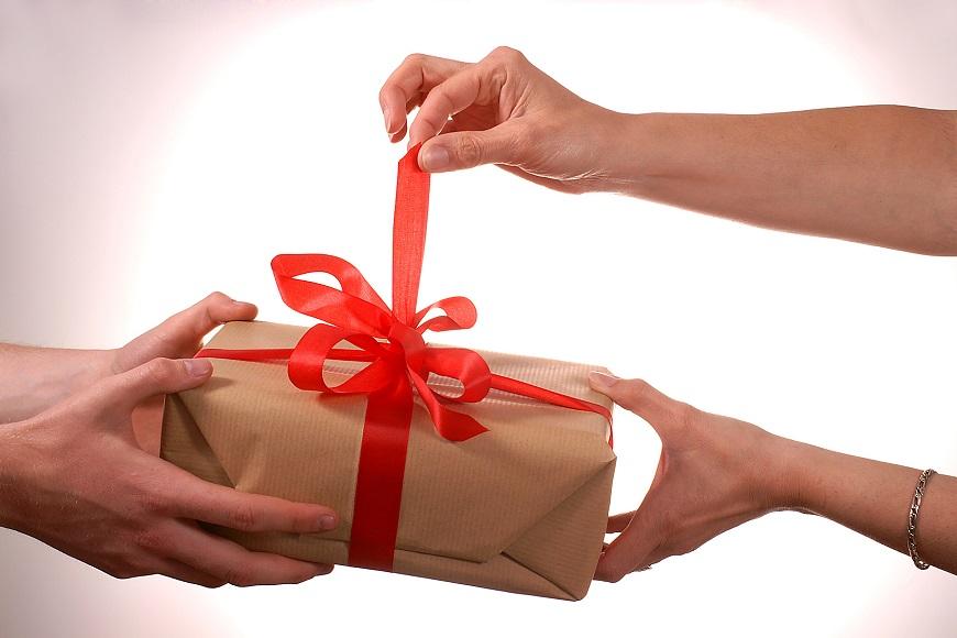 передача собственности по договору дарения