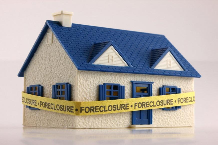 жилье за долги